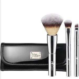 It Cosmetics Your Beautiful Basics Travel Set